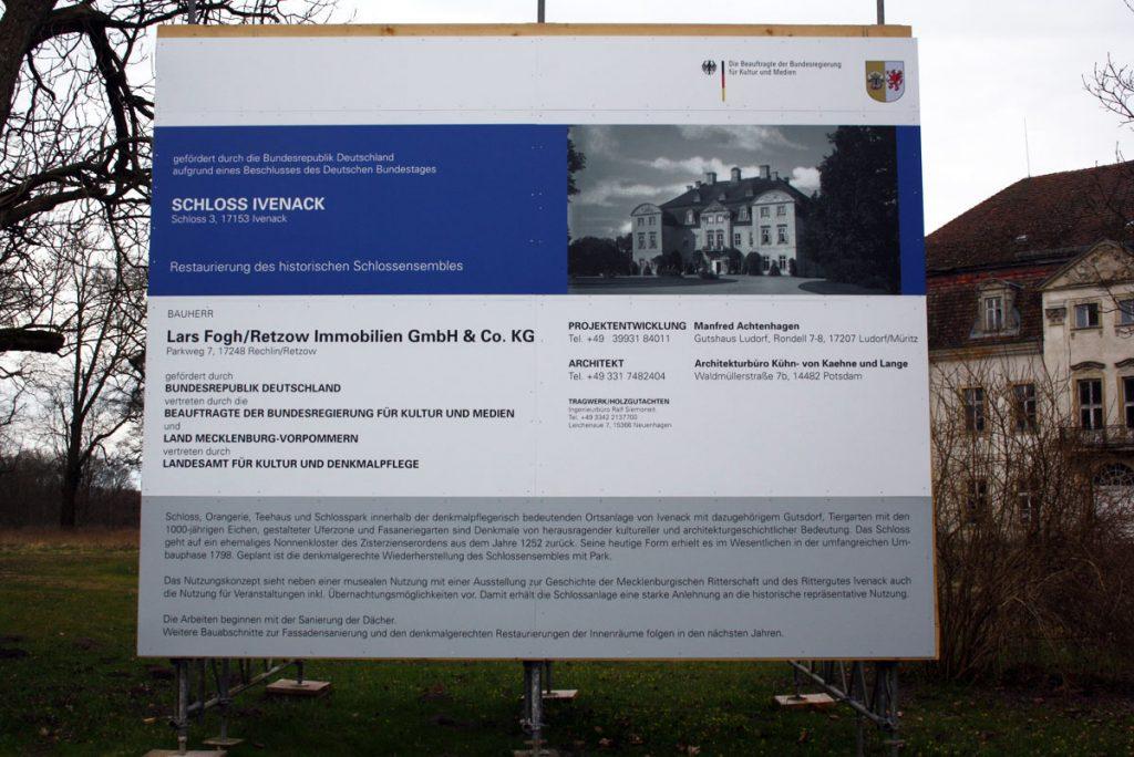 baufortschritt__2016_schloss_ivenack_Baustellenschild